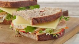 sc3a-wwc-roasted-turkey-apple-cheddar-sandwich.desktop